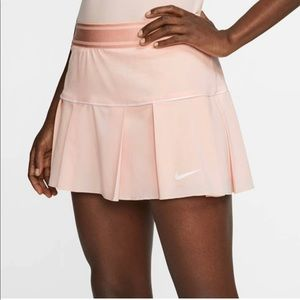 Nike Court Victory Tennis pleated Skirt in Coral